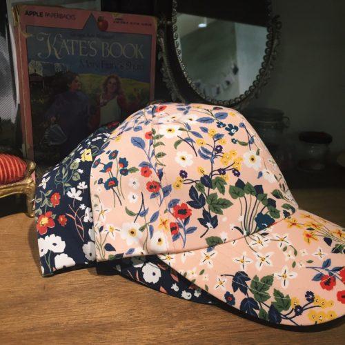 小花柄CAP 置画