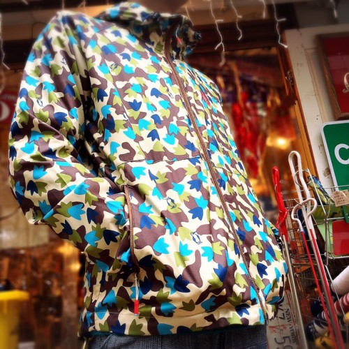 広島 CHUMS Breeze Jacket 雑貨2