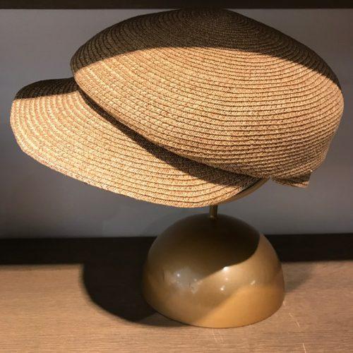 バラ色の帽子ハンチング